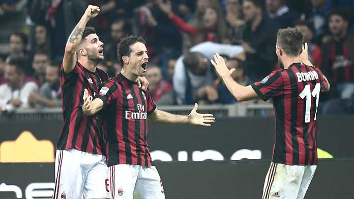 Napoli-Milan, infortunio per Suso: Andrè Silva al suo posto