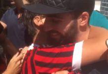 Higuain abbraccia tifoso