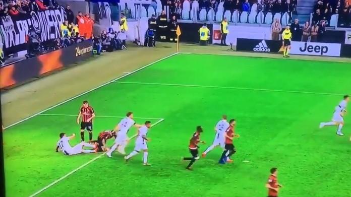 Risultati immagini per calcio Mandzukic-Romagnoli